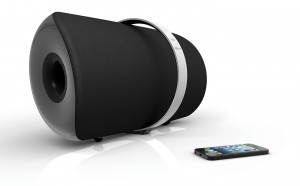 VISO_1_AP_AirPlay-Bluetooth_Music_System_Black_-_With_iPhone